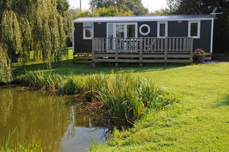 L 39 escapade normandie camping comparer les campings for Camping avec etang de peche et piscine