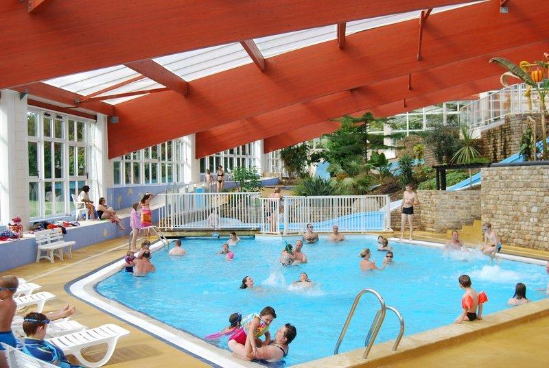 Castels camping ch teau de lez eaux normandie camping for Camping avec piscine normandie