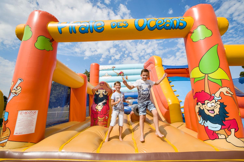 Nouveaut le cottage famili baby id al pour des vacances for Camping calvados bord de mer avec piscine