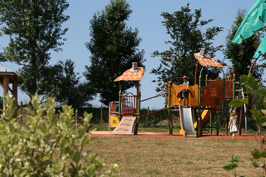 Camping l'Aiguille Creuse - Aire de jeux pour enfants