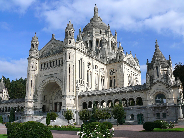 Basilique de Lisieux - ®Calvados Tourisme
