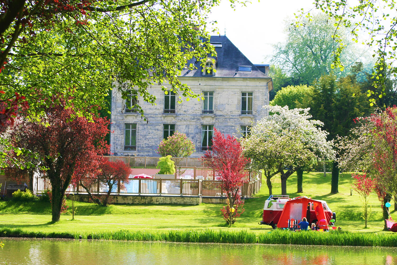 Camping Le Brévedent - Emlacements au bord de lac
