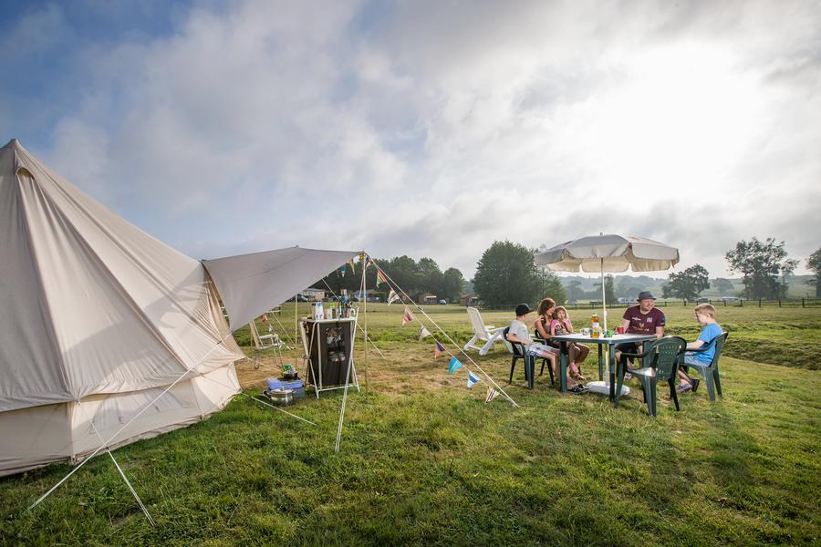 emplacement de camping avec sanitaire privé