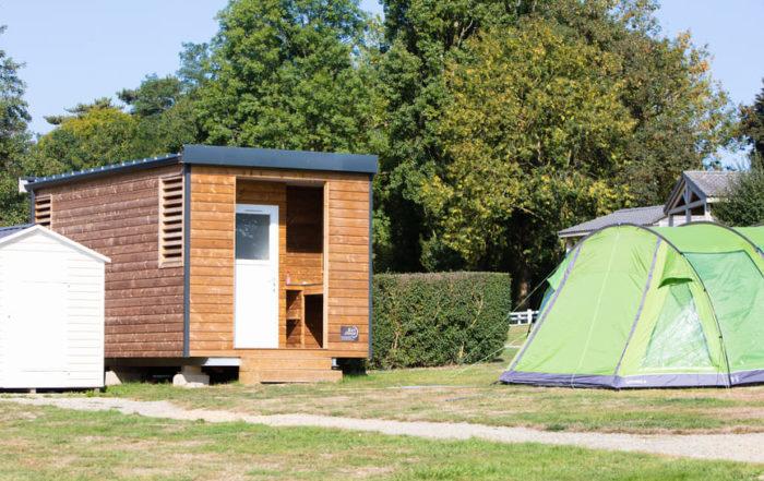 camping 5 étoiles avec emplacement de camping avec sanitaires privatifs